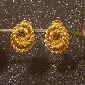 Monet 14k gold plated gold earrings claps
